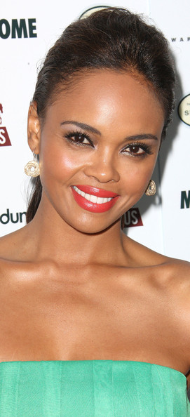 More Pics of Sharon Leal Bright Lipstick (1 of 6) - Bright Lipstick Lookbook - StyleBistro