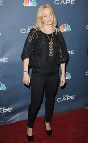 Mena Suvari attended the premiere of NBC's new television show 'The Cape' wearing a Teresa necklace of chunky quartz wrapped with an 18-karat gold chain.