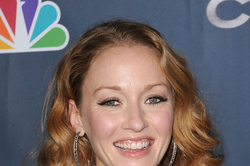 Jennifer Ferrin - An Easy to Manage Curly Hairstyle