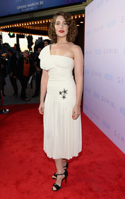 Lola Kirke looked divine in a white one-shoulder dress with a star-embellished waist at the premiere of 'Gemini.'