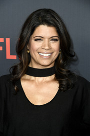 Andrea Navedo sported a perfectly sweet curly 'do at the premiere of 'One Day at a Time' season 2.