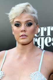 Betty Who rocked a platinum-blonde fauxhawk at the premiere of 'Sierra Burgess is a Loser.'