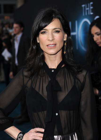 More Pics of Perrey Reeves Medium Layered Cut (1 of 5) - Perrey Reeves Lookbook - StyleBistro