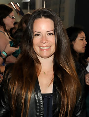 Holly Marie Combs looked au naturale on the red carpet with this long and straight style.