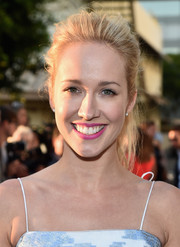Anna Camp sported a casual yet cool teased ponytail at the premiere of 'Resident Advisors.'