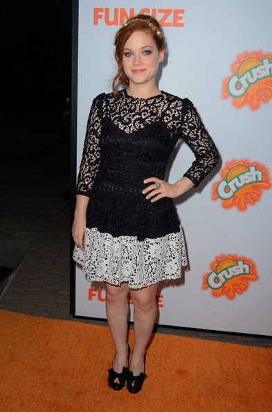 Jane Levy added some height to her look with these black bowed peep-toe platform heels.