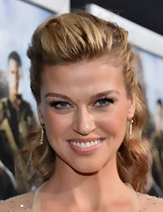 Adrianne Palicki opted for a soft pink lip to top off her glowing red carpet look.