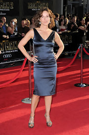 Dancing with the Stars contestant Jennifer Grey wore her hair in short curls for the Iron Man 2 premiere.