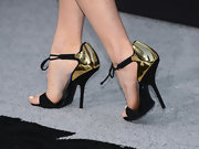 Alice Eve's gold and black ankle-tie sandals had a cool futuristic feel to them, just perfect for the 'Star Trek Into Darkness' premiere.