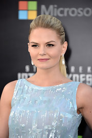 Jennifer Morrison accentuated her lovely backless jumpsuit with a long blonde ponytail.