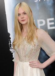 Elle Fanning styled her hair in a soft straight cut at the premiere of 'Super 8.' It was the perfect way to play up her light and airy dress.