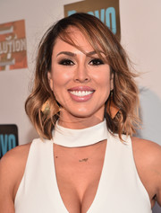 Kelly Dodd wore her hair down to her shoulders in a messy wavy style during the premiere party for 'The Real Housewives of Orange County.'