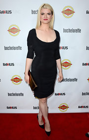 Leslye looked dramatic in her ruched LBD at the 'Bachelorette' premiere.