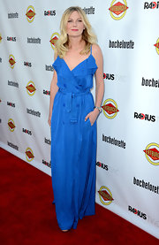 Kirsten Dunst looked stunning in her sky-blue trench-inspired gown at the 'Bachelorette' premiere.