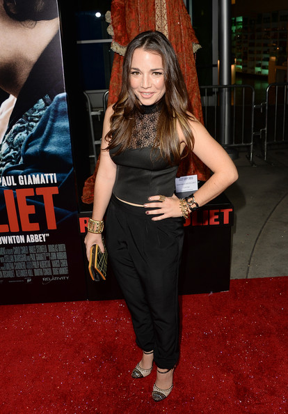 Kait Weston was on trend in a black lace-panel crop-top at the premiere of 'Romeo and Juliet.'