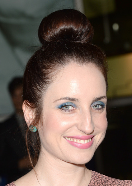 More Pics of Zoe Lister Jones Classic Bun (1 of 5) - Classic Bun Lookbook - StyleBistro