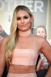 Lindsey Vonn left her long tresses loose with wavy ends when she attended the premiere of 'Bad Moms.'