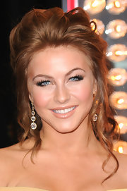 Julianne Hough highlighted her elegant updo with tiered crystal drop earrings.