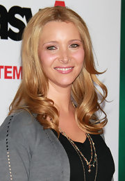 Lisa Kudrow looked darling with her spiral curls at the premiere of 'Easy A.'
