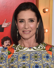 Mimi Rogers opted for a neat mid-length bob when she attended the 'Wedding Ringer' premiere.