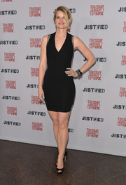 Joelle Carter showed some curves in a body-con LBD during the 'Justified' season 5 premiere.