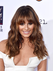Lea Michele looked cute with her beachy waves and eye-skimming bangs at the 'Sons of Anarchy' premiere.