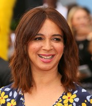 Maya Rudolph wore a subtly wavy 'do with center-parted bangs at the premiere of 'Angry Birds.'