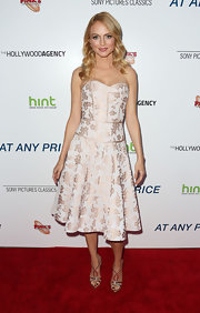 Heather Graham's strapless bustier-style dress was simply elegant on the red carpet.