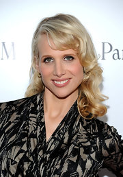 Lucy Punch sported a retro curly 'do at the premiere of 'Midnight in Paris.'