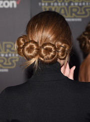 Maria Menounos paid tribute to Princess Leia with this hairdo (though she went over by two buns) at the 'Star Wars: The Force Awakens' premiere.