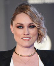 Clare Grant looked chic with her half-pinned waves at the premiere of 'Star Wars: The Force Awakens.'