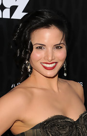 Katrina Law attended the premiere of 'Magic City' wearing a rich matte ruby lipstick.