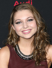 Sammi Hanratty looked sweet at the 'Ender's Game' premiere with her side-parted curly 'do.