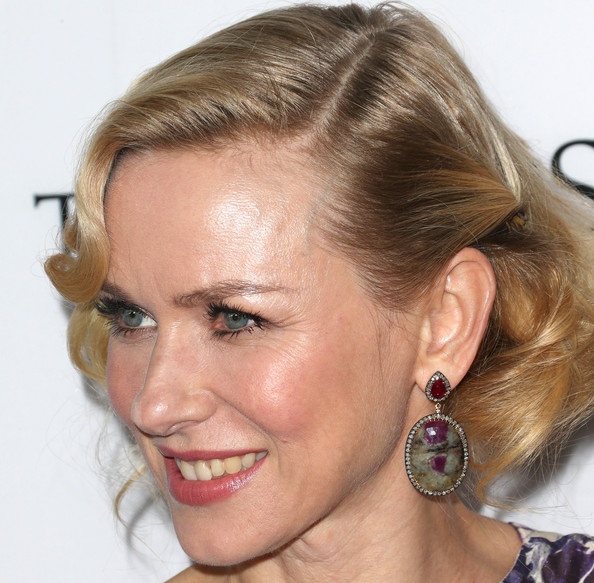 More Pics of Naomi Watts Dangling Gemstone Earrings (3 of 19) - Naomi Watts Lookbook - StyleBistro