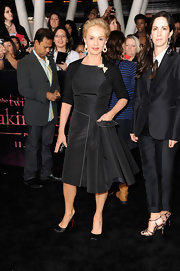 Carolina Herrera went for a retro-chic look with this LBD at the 'Breaking Dawn' premiere.