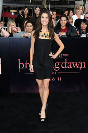 Samanha Harris paired her simple black dress with black peep-toe pumps.