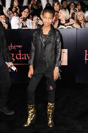 Willow Smith hit the 'Breaking Dawn' premiere in a quilted black leather jacket, ripped up jeans and a spiked necklace.