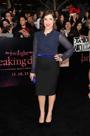 Mayim Bialik opted for a secretary chic aesthetic at the 'Breaking Dawn' premiere in a dotted navy tie-neck blouse.