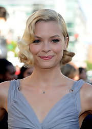 Jaime King looked cute as a button in her side swept curls while walking the carpet at 'The Twilight Saga:Eclipse' premiere.