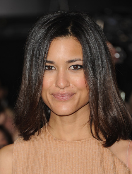 More Pics of Julia Jones Mid-Length Bob (4 of 9) - Mid-Length Bob Lookbook - StyleBistro