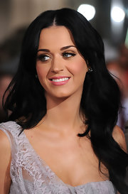 Katy Perry showed off her raven locks while attending 'The Tempest' premiere.