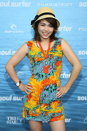 Wearing a brightly-colored sleeveless print dress, Hayley Kiyoko looked all set for summer.