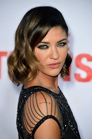 Jessica Szohr's wavy bob was totally retro cool on the red carpet of the premiere of 'The Internship.'