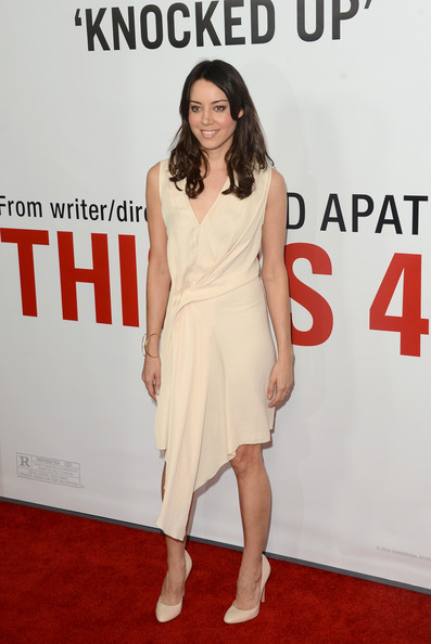 More Pics of Aubrey Plaza Cocktail Dress (1 of 19) - Aubrey Plaza Lookbook - StyleBistro