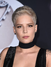Halsey attended the premiere of 'Fifty Shades Darker' looking hip with her boy cut.