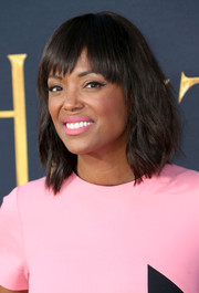 Aisha Tyler looked super cute with her shoulder-length waves and jagged bangs at the premiere of 'The Huntsman: Winter's War.'