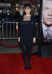 Amanda Peet was a doll at the 'Identity Theft' premiere in this black dress with a sheer dotted decolletage.