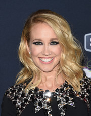 Anna Camp looked fabulous with her high-volume waves at the premiere of 'Pitch Perfect 2.'