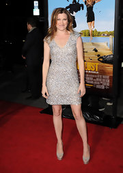 Kathryn paired her sparkling frock with gray platform pumps.