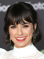 Constance Zimmer sported a short wavy cut at the premiere of 'Zootopia.'